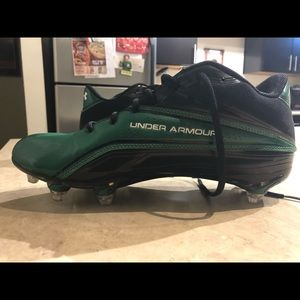 Under Armour Mens size 10 green/black cleats